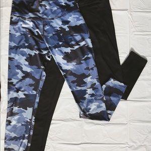 Beyond Yoga: lux Blue camo compression leggings.